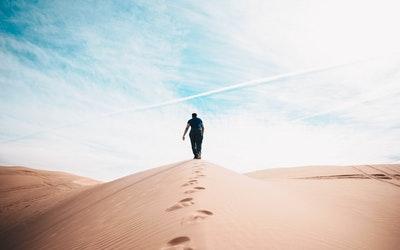 文艺青年们一个人的旅行会干什么?