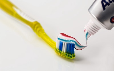 toothbrush-toothpaste-dental-care-clean-40798.jpeg