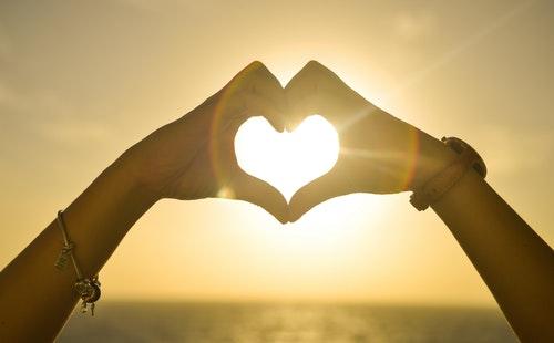 关于表达爱意的常用日常英语口语900句学习2.jpg