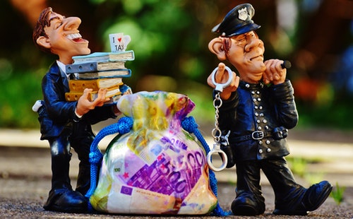 旅游常用英语口语对话:买单.jpg
