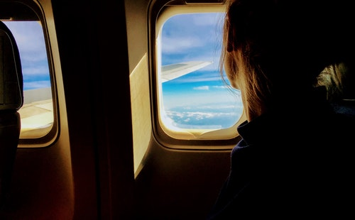 出国旅游常用英语口语900句大全(3):机场广播2.jpeg