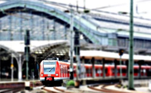 出国旅游常用英语口语900句大全:预定火车票1.jpeg