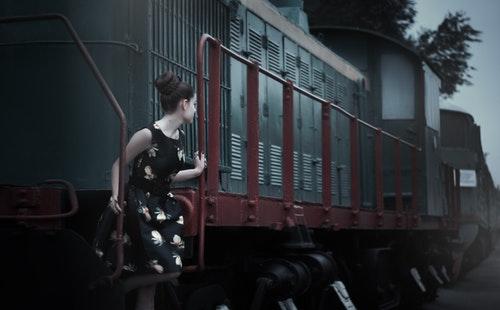 出国旅游常用英语口语900句大全(8)搭火车4.jpeg