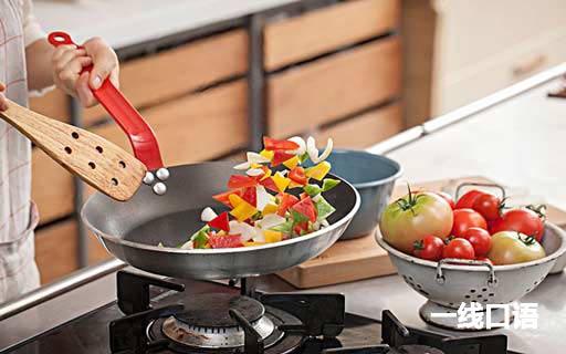 常用英语日常交流口语8000句十二:下厨、做饭 (1).jpg