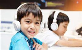 在线英语听力训练:如何有效结合精听和泛听?